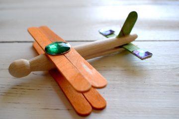 clothespin-aeroplane-ft