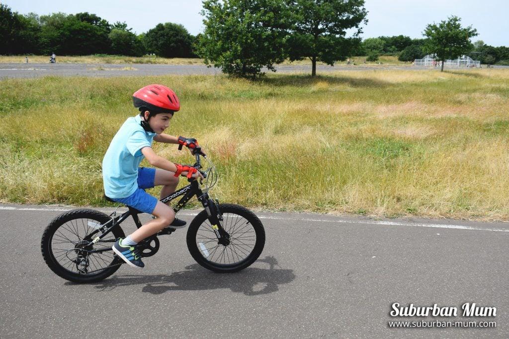 e-bike-riding